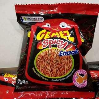 ENAAK 韓國小雞麵一盒30小包,原味/辣味~每盒220元