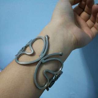 ACC: butterly bracelet