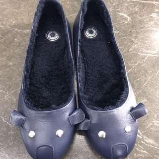 女童鞋35號
