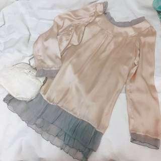 日本 w closet 荷葉邊雪紡綢緞料長袖裸色洋裝 長上衣
