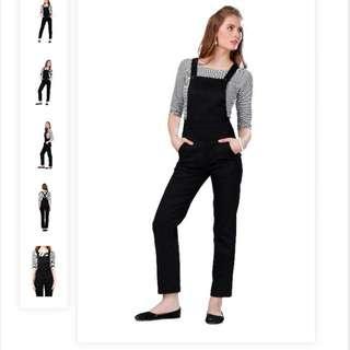 Black simple Dungaree Jumpsuit (Size S)