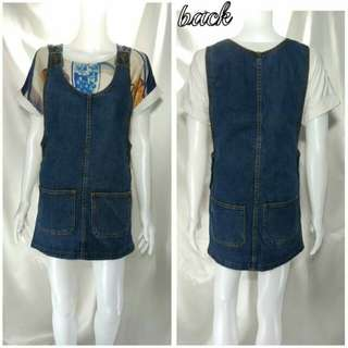 ️Beautiful denim dress styled with front pockets