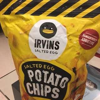 IRVINS Salted Egg Potato Chips (230g)