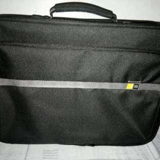 Case Logic Brief Case Type Laptop Bag
