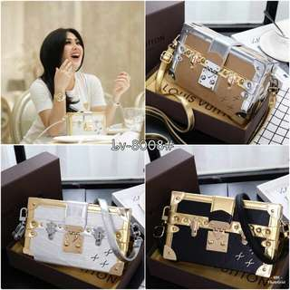 *Harga : 255.000   LOUIS VUITTON Petite Malle Epileather 8008#*  Quality semipremium Uk. 20x5x12cm Material Epi Leather Inside Pu Leather Weight 1.2kg (include box)  Ready 3 pilihan warna : Black, Silver, Gold