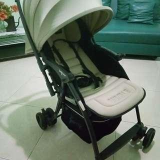 Stroller(kereta dorong bayi)