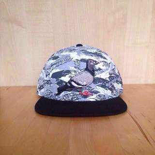 "🐦Staple Pigeon Snapback Cap        ""The Feather Pigeon"""