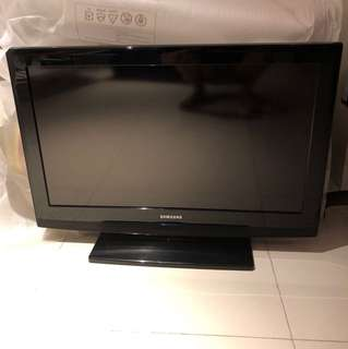 Samsung TV for sale! Good condition