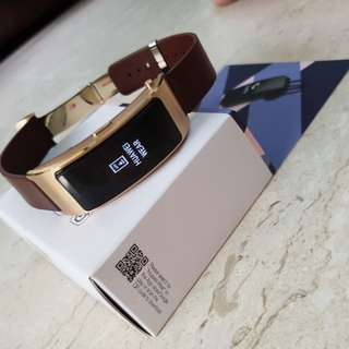 WTS: Huawei Talkband B3 (smart watch with Bluetooth headset)
