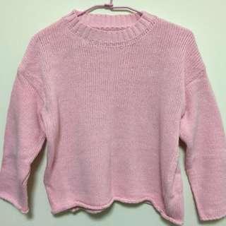 粉色圓領寬袖毛衣