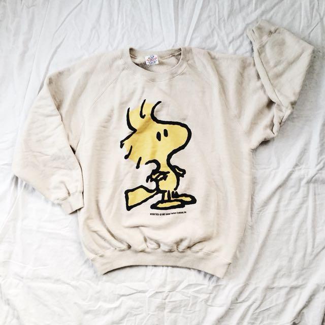 744c142470 90 s PEANUTS Original WoodStock Sweatshirt on Carousell