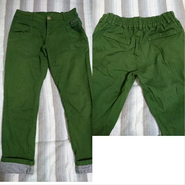 軍綠挺版長褲