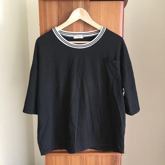 黑白條紋領上衣