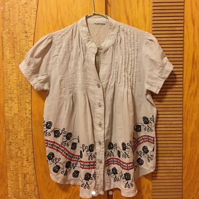 灰色刺繡上衣(結緣價)