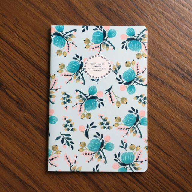 現貨供應。微美系花語筆記本。粉藍花款 / 共4款