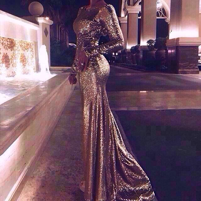 👭 GOLD SEQUINS DRESS WITH LONG TRAIN (RENTAL)