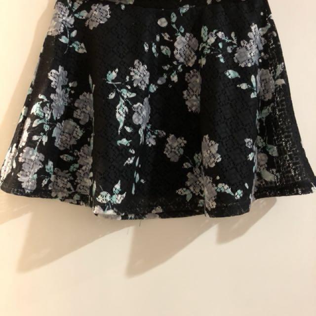Aeropostale knit floral skirt