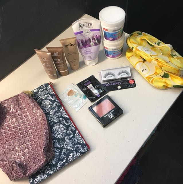 Beauty bundle - makeup, skincare & bags