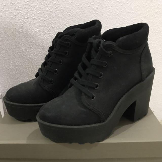 14376770a1c Bershka Mid Heel Platform Ankle Boots