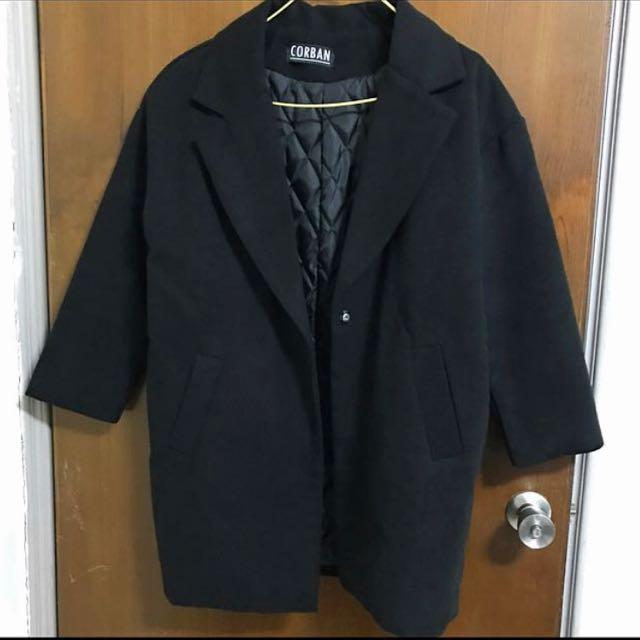 Cobran 黑色翻領大衣