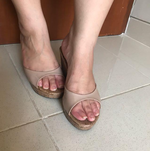 Dusty pink wedges sandal