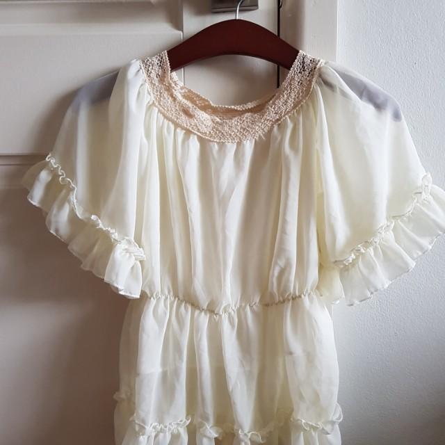 Elegant floaty lace blouse
