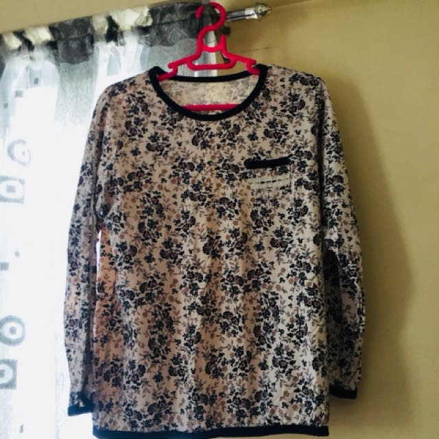 Floral Pull over