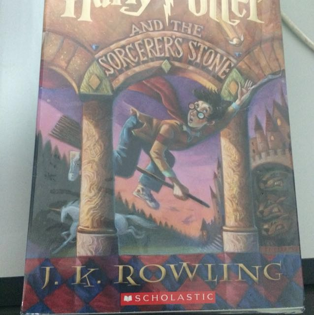 Harry Potter and the sorcerer stone (1)