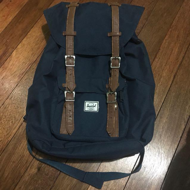 Herschel Little America Backpack (FIXED PRICE!)