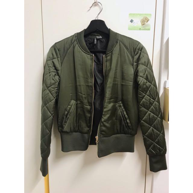 0079d9365 H&M (Korea) Army Green Bomber Jacket, Women's Fashion, Clothes ...