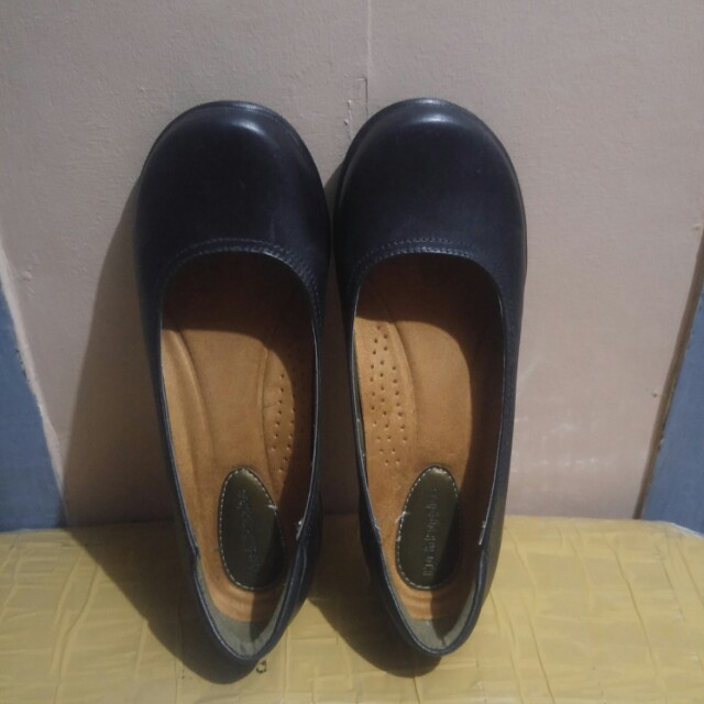 Hush Puppies Black Shoes Genuine Leather (Used only Once)