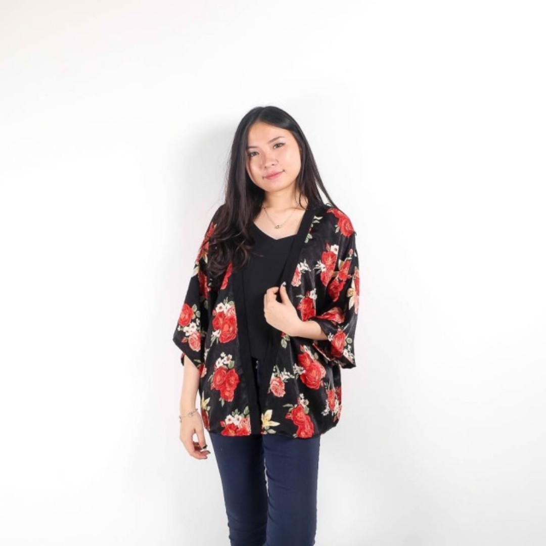 hyena rose outer