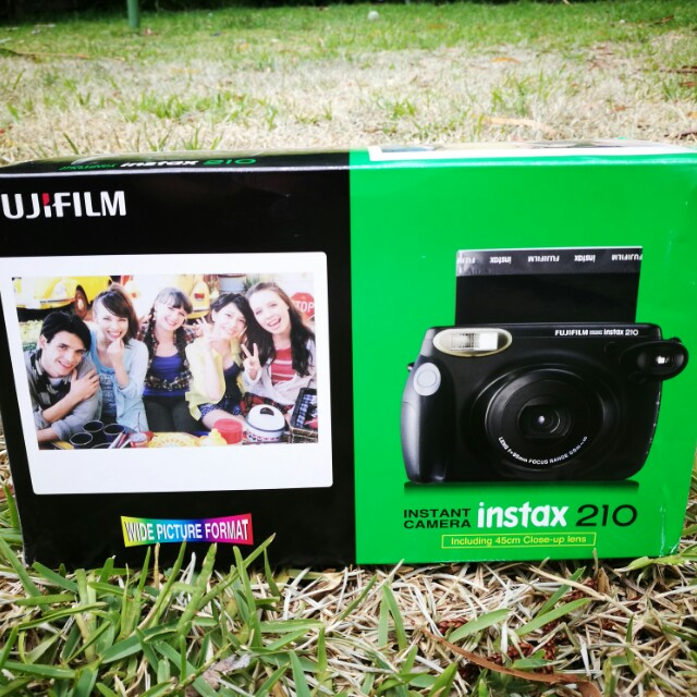 INSTAX WIDE 210 ✨ Like New! Inc. focus lens and batteries ⚡