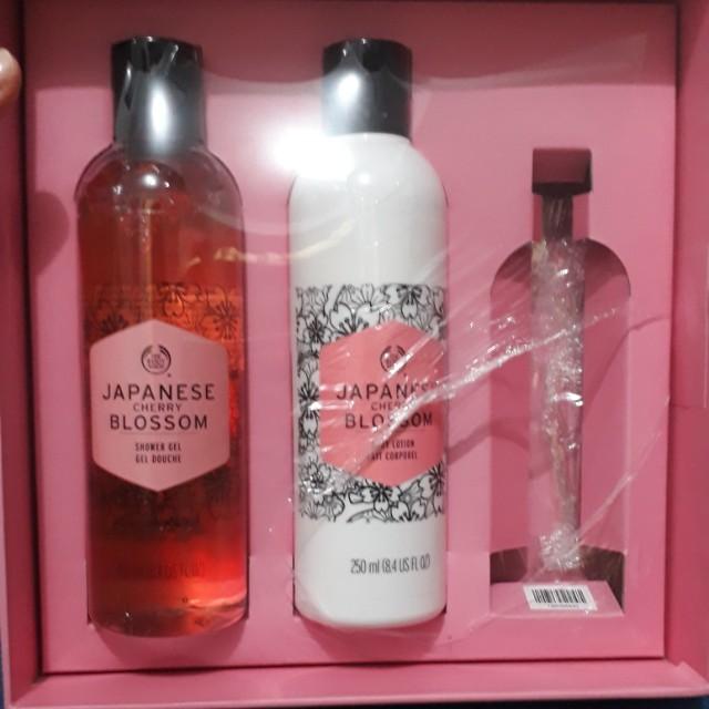 Japanese cherry blossom shower gel & lotion