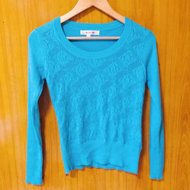 LIGHT BLUE KNITTED SWEATER/CARDIGAN