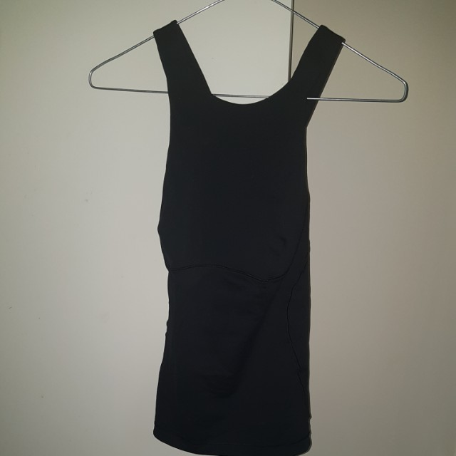 LULULEMON SIZE 8 AUS TOP WITH BUILT IN SUPPORT