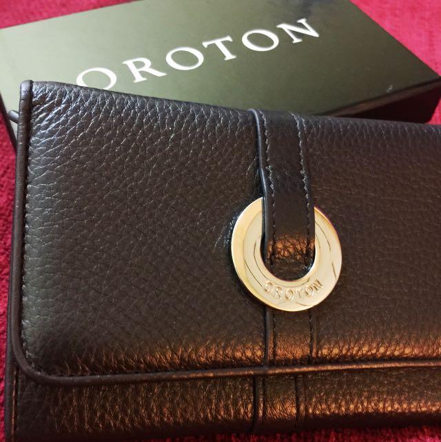 Oroton Leather Purse / Wallet