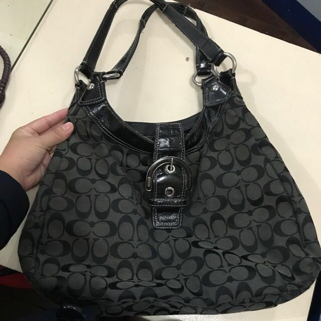 REPRICED - Coach authentic hobo bag