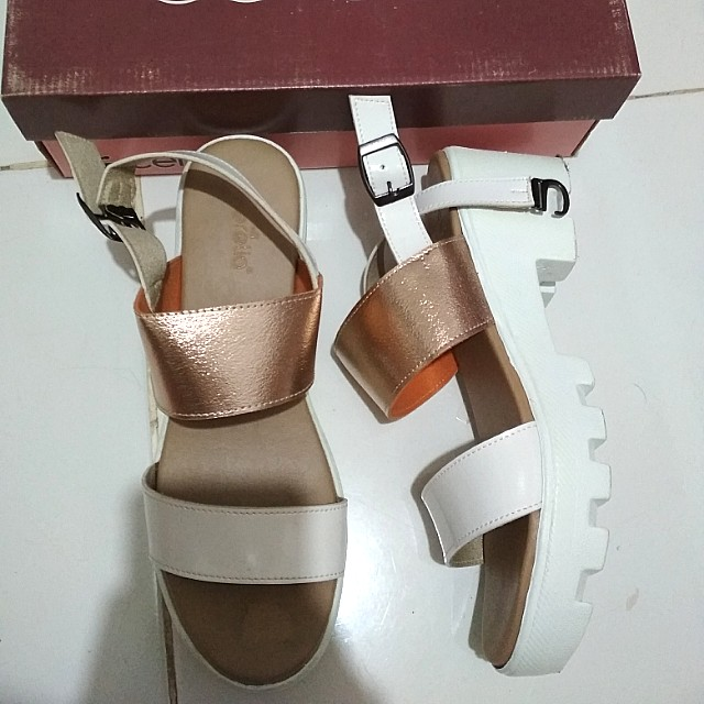 Sepatu wedges platform cerelia rose gold white strap