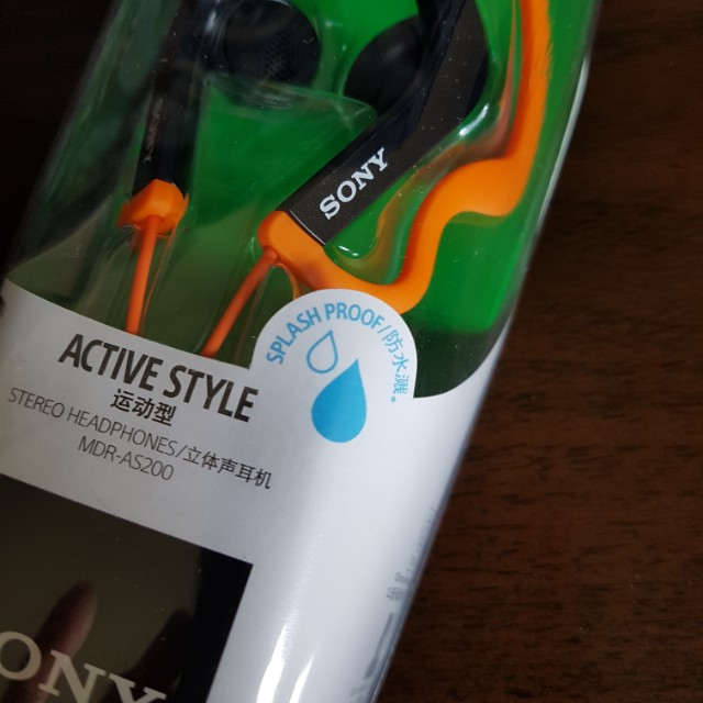 SONY Brand new sports water'resistant earphones MDR-AS200