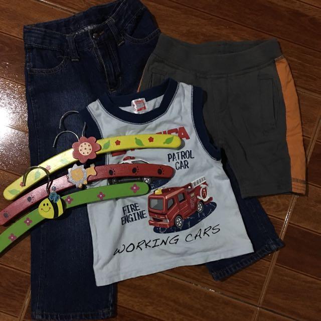 Tomica muscle shirt, cherokee pants hangers
