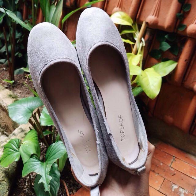 TOPSHOP grey heels