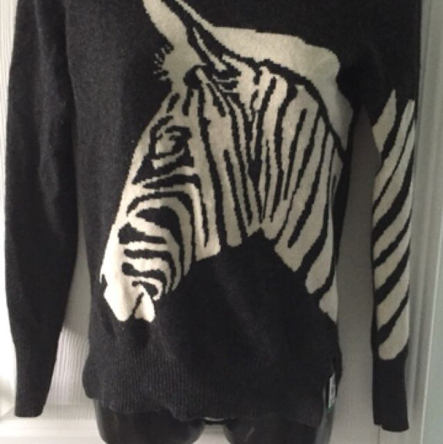 Women's Cashmere hi-lo Sweater Size S