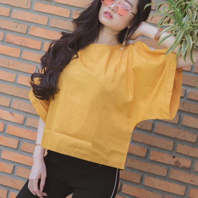Yellow top ( with shoulder hole )