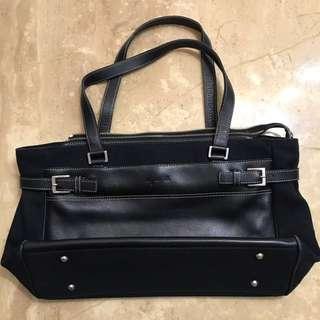 Agnes b 黑皮混軟黑牛仔布銀扣輕身手袋 black leather mix soft black jean texture light weight hand bag