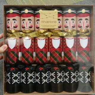 Christmas crackers (nutcracker)