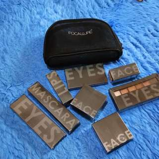 Focallure set isi 8 dan free pouch