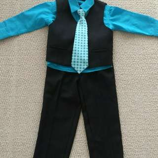 Ronaldo toddler boy 4 piece suit size 3T