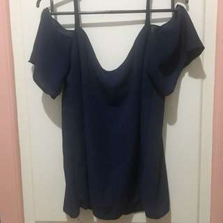 Cold shoulder top in navy blue