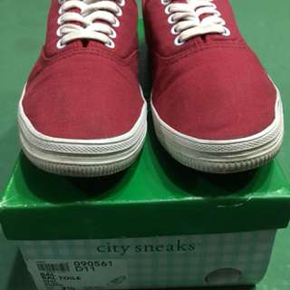 Red sneakers ❤️